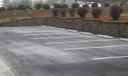Deerfield_parking_and_wall_012