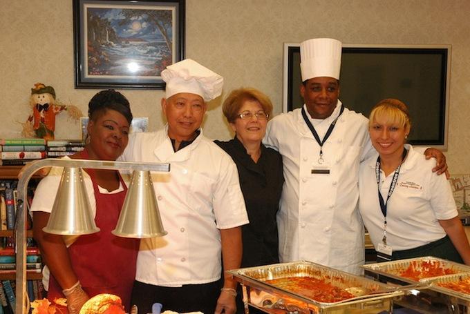 Food_service_staff_dsc_0251