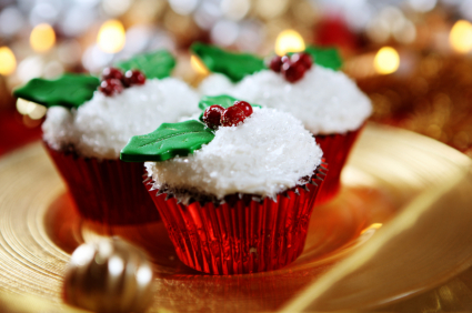 Christmas_cupcakes_on_a_plate