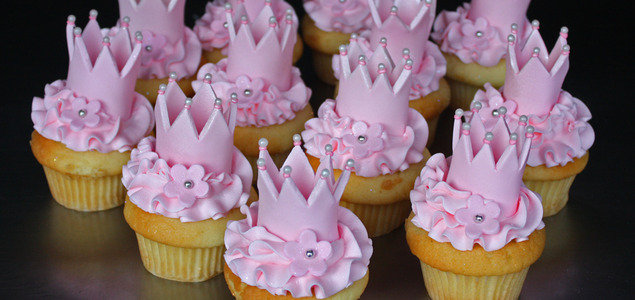Crown-cupcakes-web