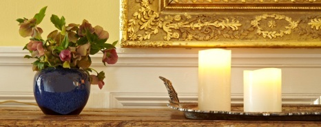 Detail_shot_lobby_candles_466x185_