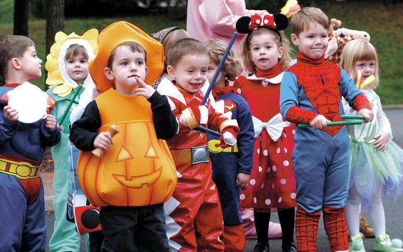 Kids-at-halloweenjpg-bfaea2dce5c9736e