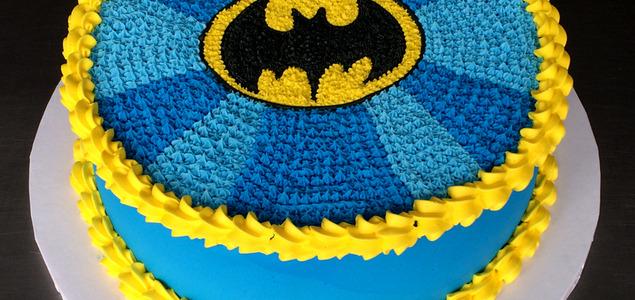 W-batman-cake