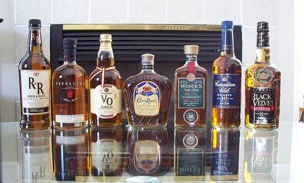 800px-canadianwhisky