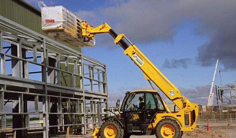 L._construction_equipment_forklift_telehandler_loader_