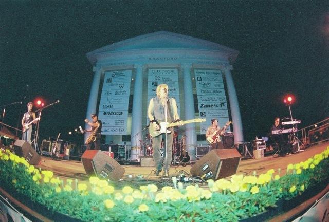 2001_johncaffertyandbeaverbrownband