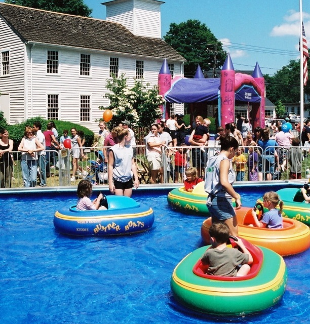 2004_bumperboats