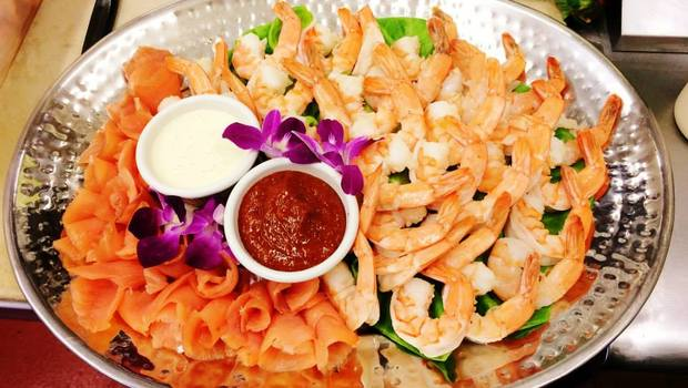 Shrimp_salmon_platter