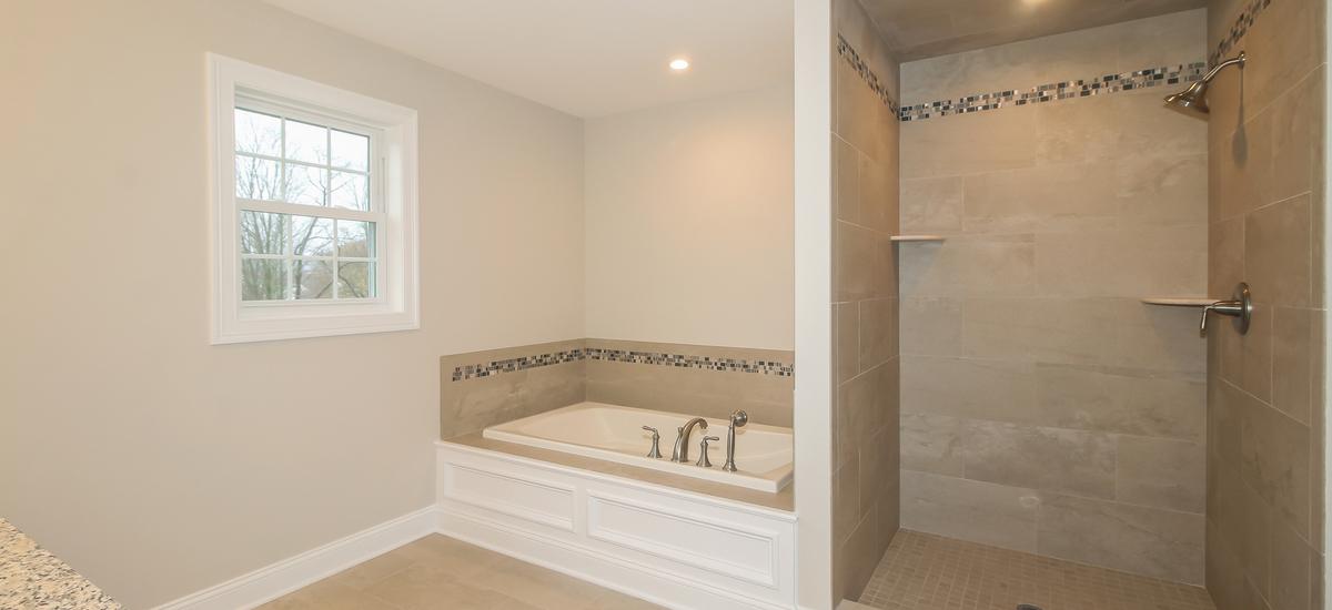033-master_bathroom-5076098-medium